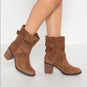 Clarks Malvet Doris boots